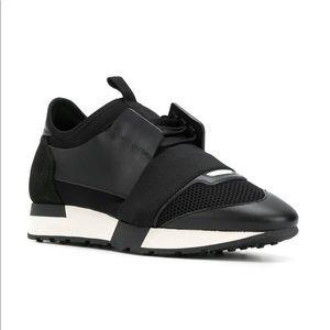 Narabar Ciencias triste  Balenciaga Sneakers for Women - Poshmark